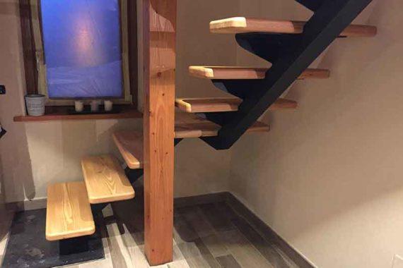 Scala in ferro e legno